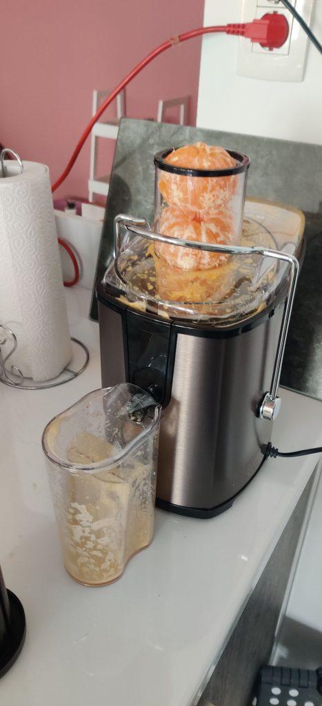 Svježi sok od mandarina